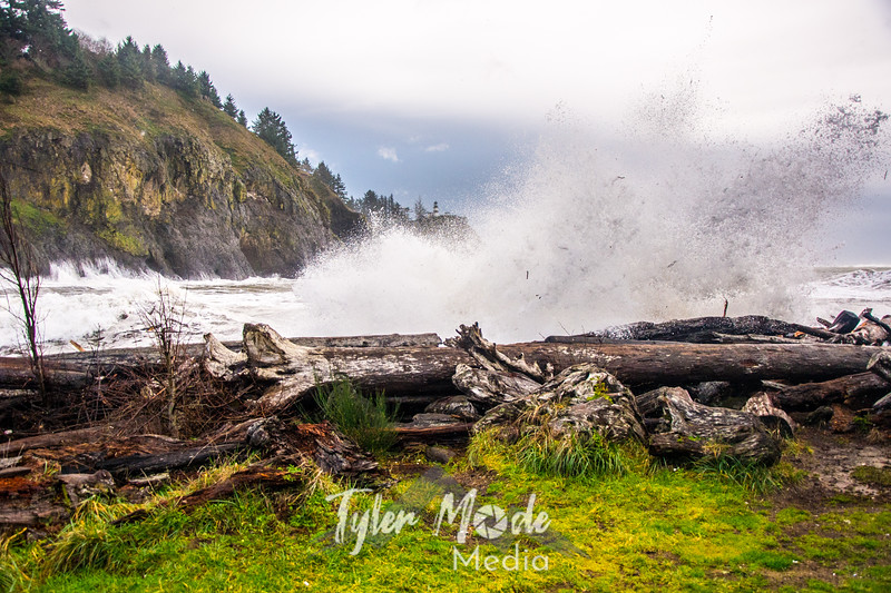 66  Cape Disappointment Waves Close
