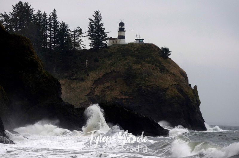 103  G Cape Disappointment Waves