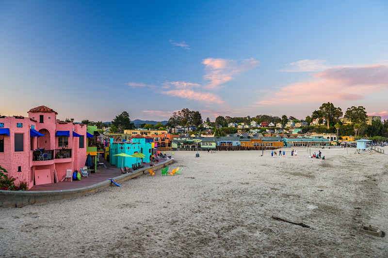 Capitola-Venetian-Hotel_Capitola-Beach-Sunset-Zeldas-Volleyball-California-Beach-town-D811905