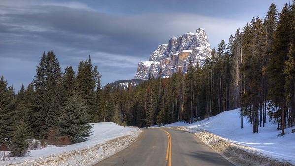 Castle Mountain - Banff Park