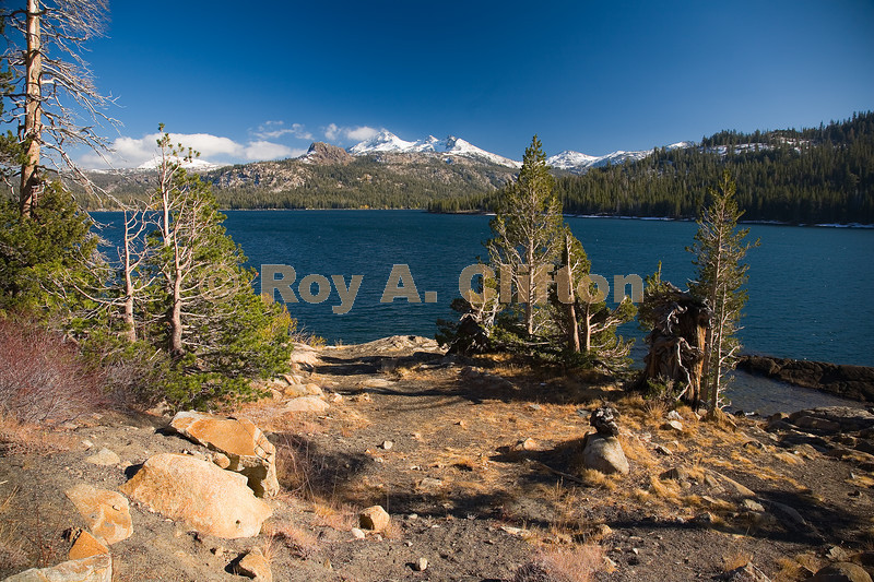 (IMG6032) Round Top Mountain across Caples lake on a blustery fall day