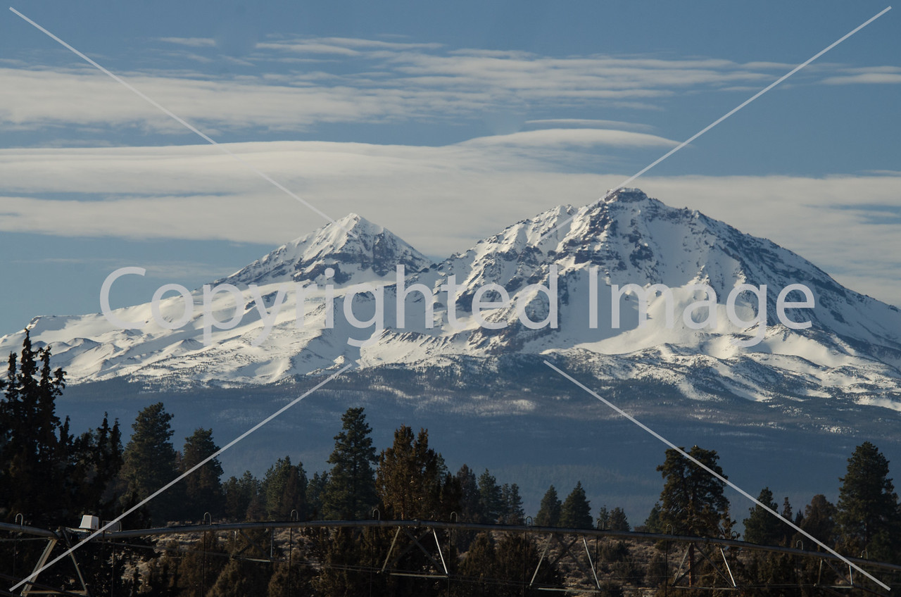 The Three Sisters mountains, Faith, Hope and Charity in the Cascades of Central Oregon