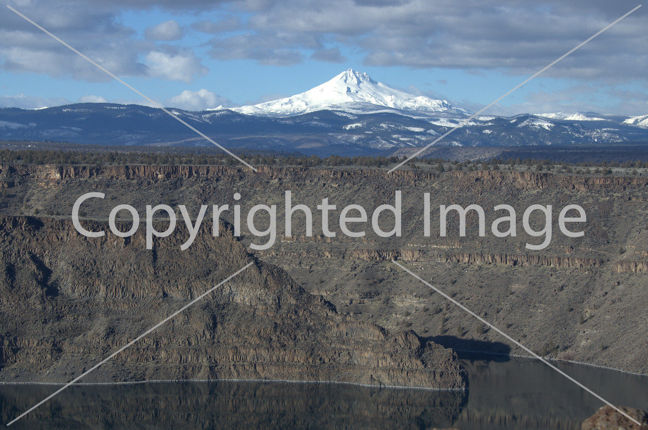 The Cove and Mt. Jefferson