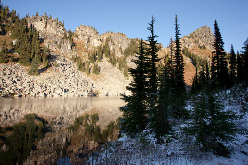 Early snow on the north shore of Upper Chain Lake