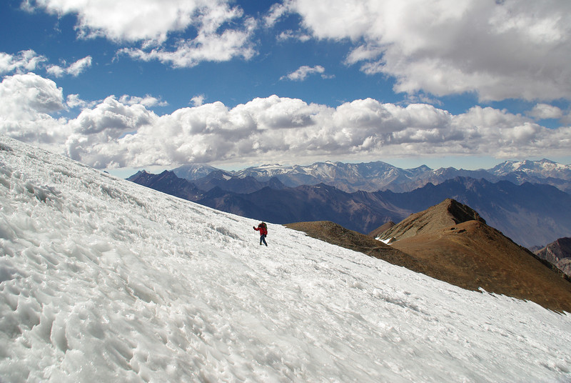 Alvaro crossing the Colgante Glacier to reach the summit of Cerro El Plomo (5430m)