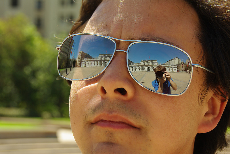 Alvaro and the royal palace of Chile in his eyes