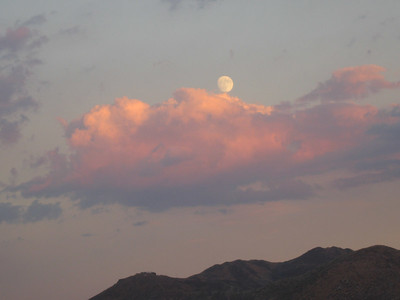 Gibbous moon and cumulus cloud over Temecula at sunset, 5 Sep 2006