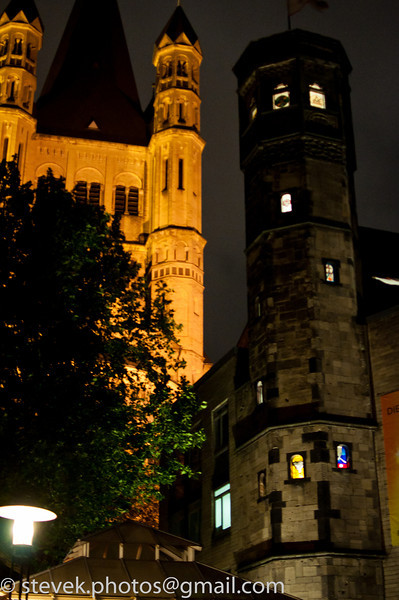 Groß St. Martin at night