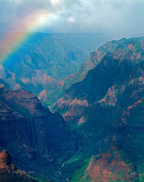 Afternoon mist, rainbow, Waimea Canyon