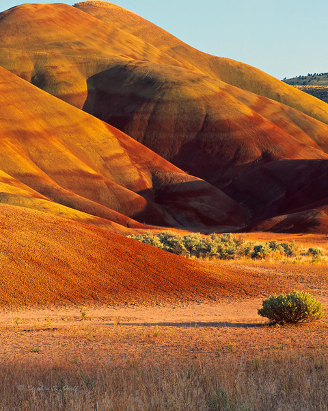 Painted Hills, evening