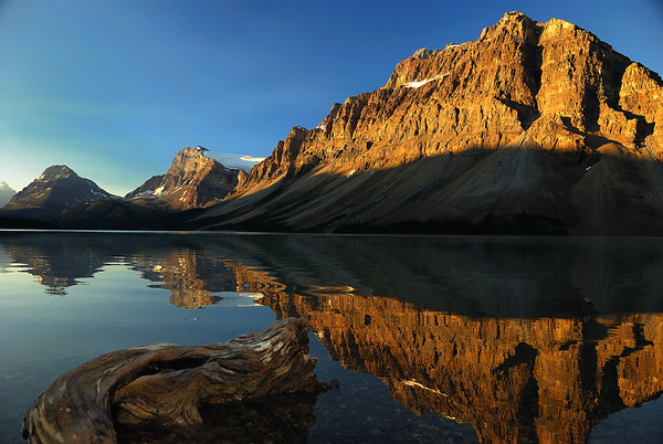 Sunrise on Bow Lake - Alberta, Canada