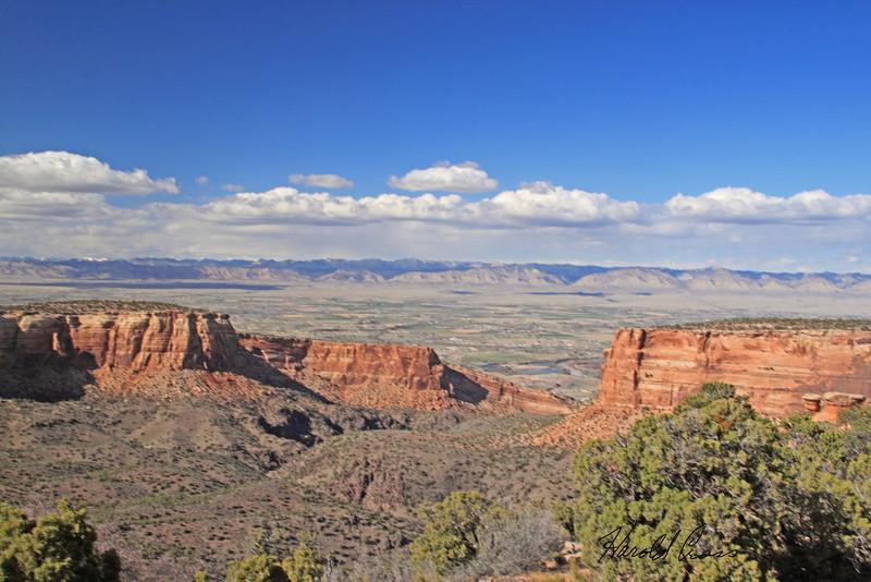 Colorado National Monument taken Apr 6, 2010.