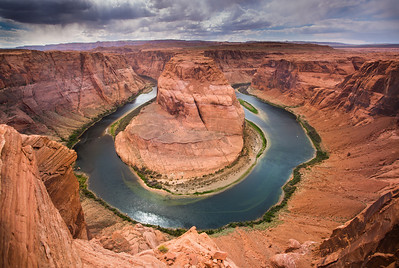 Horseshoe Bend (meander of the Colorado River) 8km (5mi) downstream from the Glen Canyon Dam (Page, Arizona)