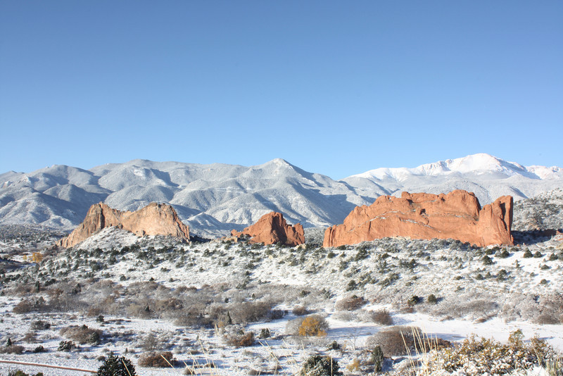 Garden of the Gods Park and Pikes Peak