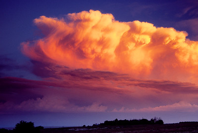 (J038)  Sunset cumulus over the eastern plains