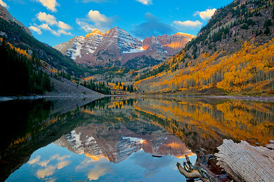 (MB-12100)  Maroon Lake at sunrise