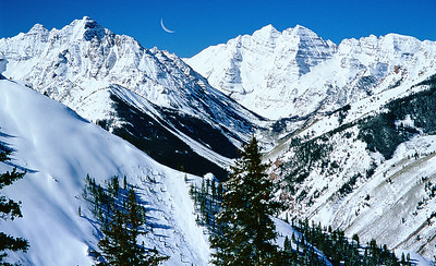 (MB-0501)  Pyramid Peak and Maroon Bells viewed from Aspen Highlands