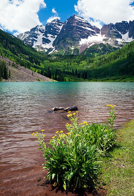 (MB-11056)  Early summer afternoon at Maroon Lake