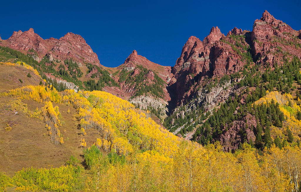 (MB-10212)  Sievers Mountain in Autumn viewed from Maroon Lake