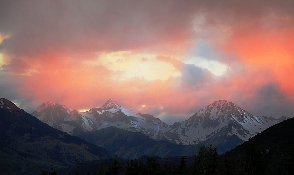 (MB-09002)  Sunset sky above Capitol Peak and Mount Daly near Snowmass.