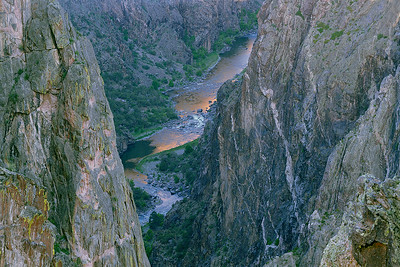 (I063)  River view at sunrise - Black Canyon of the Gunnison.
