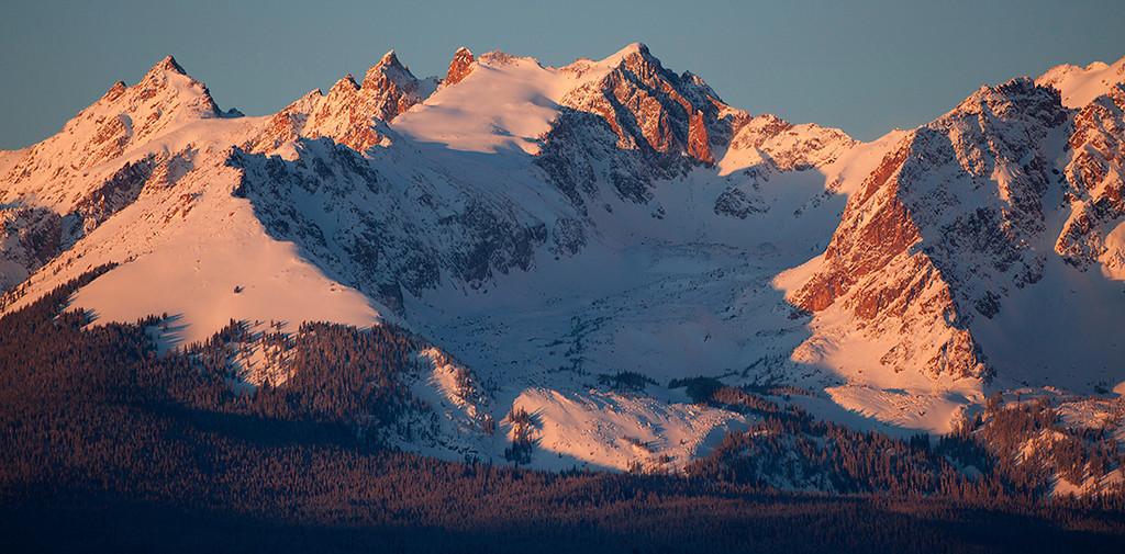 (MG-0595)  Gore Range peaks at sunrise