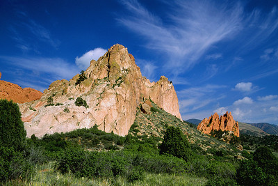 (I060)  Summer Cirrus Above Garden of the Gods
