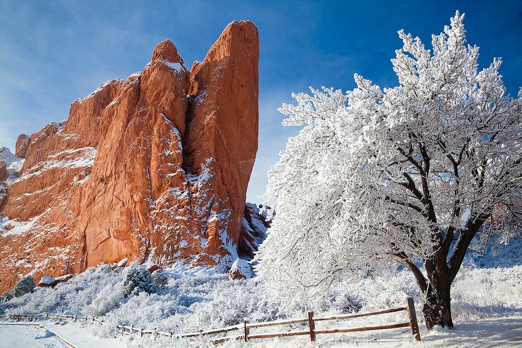 (PP-15450)  Gateway Rock on a Winter Day