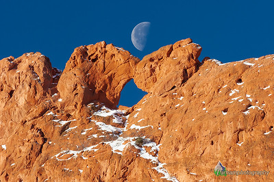 Kissing Camels Moonset  (PP-06201)