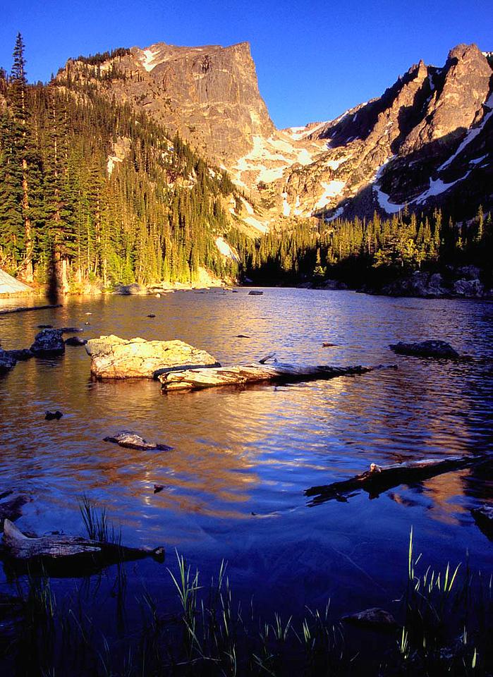 (J028)  Summer sunrise at Dream Lake