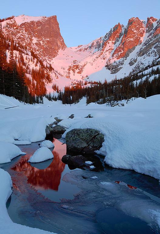 (RM-09005)  Hallett Peak & Dream Lake - Winter Sunrise