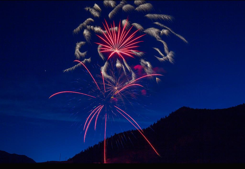 Fireworks Over Lake CIty (SJ-16393)