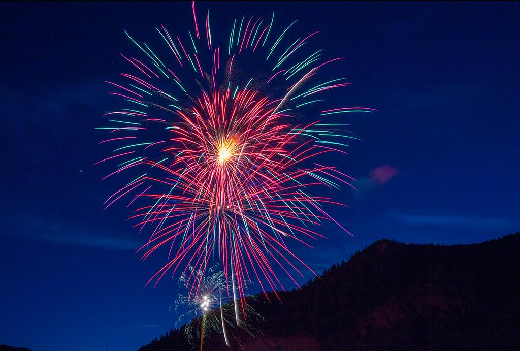 Fireworks Over Lake City  (SJ-16401)