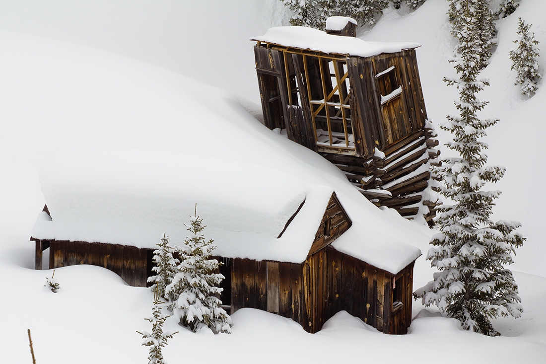 (SJ-11057)  Gold mining relic on Red Mountain Pass.  I love these old buildings.  How much longer can they stand?
