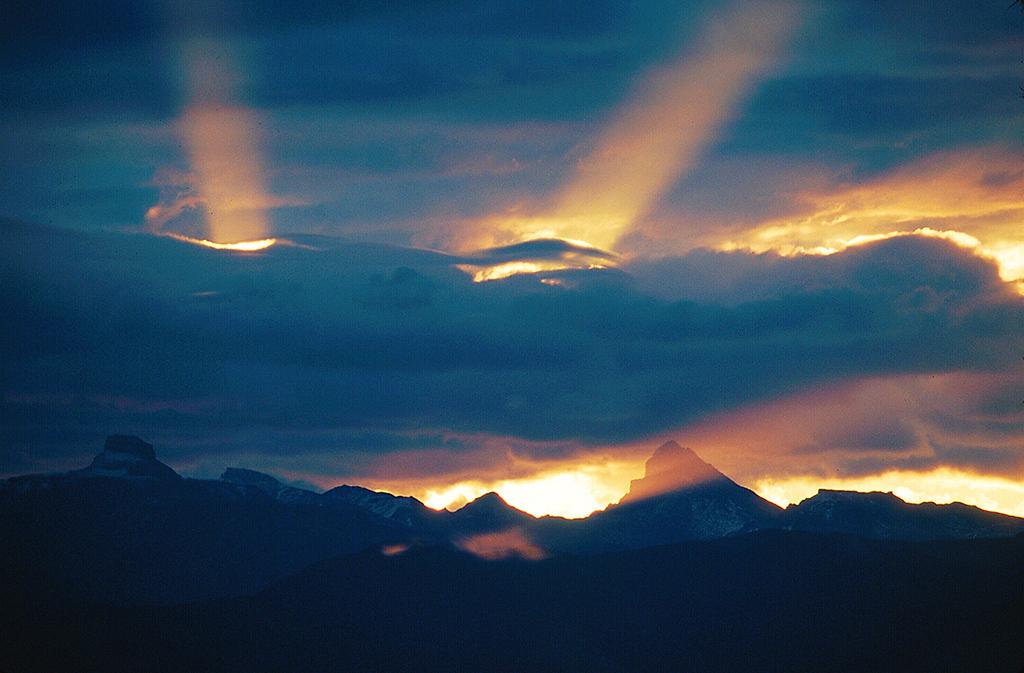 (B038)  Sunrise behind Coxcomb and Wetterhorn Peaks.
