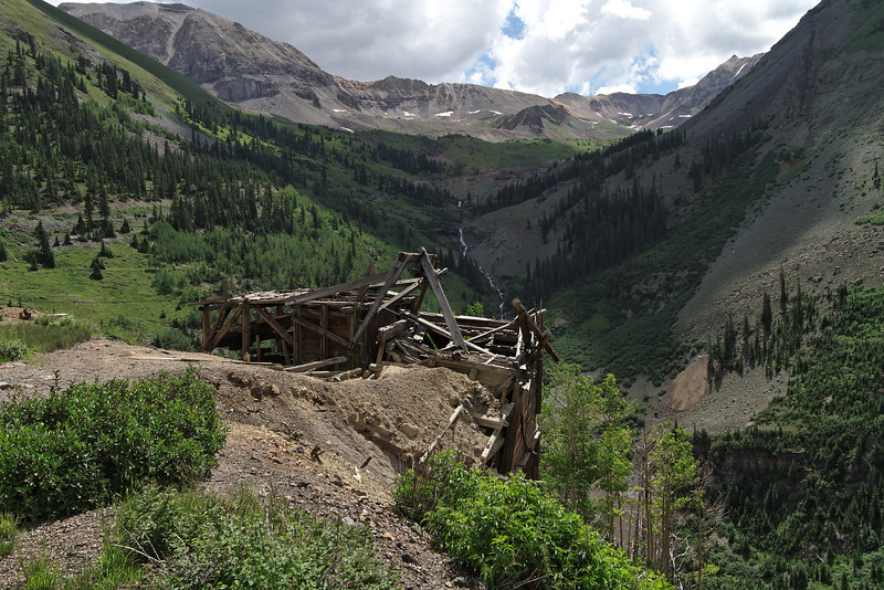 Mining ruins on the way up to Imogene Pass