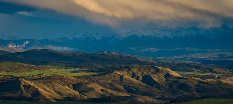 Complex light over the Gunnison