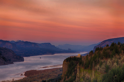 Vista House and Columbia Gorge at Sunset