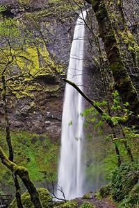 Elowah Falls     Sigma 18-50mm f/2.8 EX DC