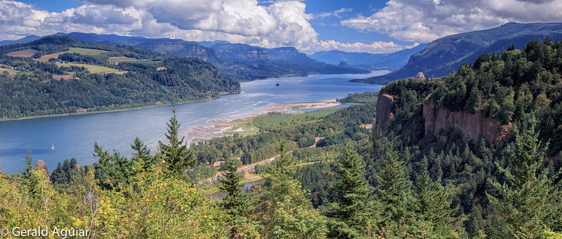 Another view of the Columbia Gorge from the Women's Forum Overlook.