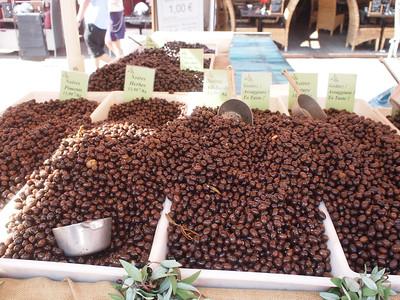 Nice (Vieux Nice) Cours Saleya les olives