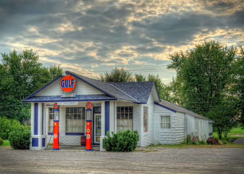 "The Old Gulf "" Fillin' "" Station. Located near Mt. Victory, Ohio"
