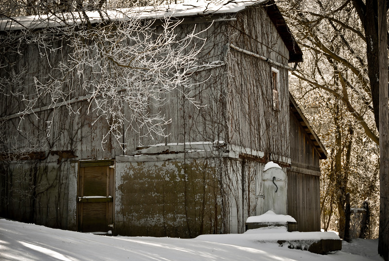 Old Barn found on Lower River Rd in Rabbit Hash, KY