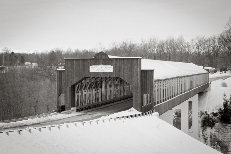 Smolen-Gulf Covered Bridge BW