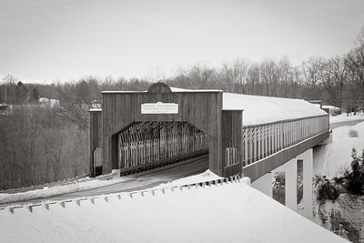 Smolen-Gulf Covered Bridge BW