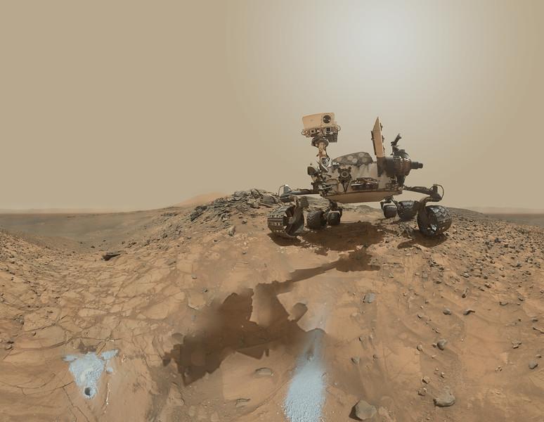 Curiosity SOl 1065 Selfie   Data: NASA/JPL/MSSS
