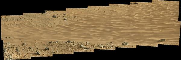 Curiosity Sol 703 MastCam R view of Hidden Valley ( Data NASA/JPL-Caltech/MSSS )