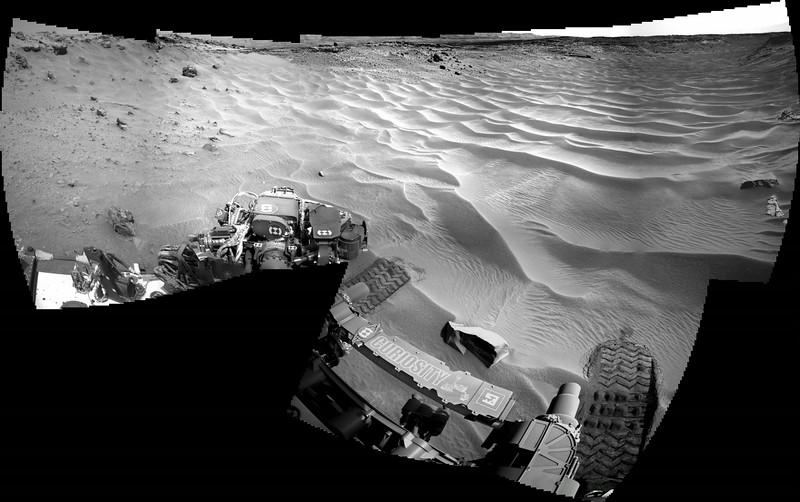 Sol 705 Navcam Mosaic of Toe Tip into Hidden Valley (Data NASA/JPL-Caltech)