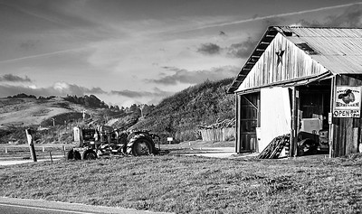 tractor and star bw