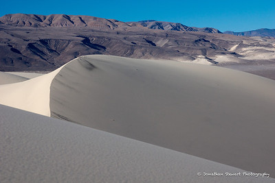 Dune ridge and Saline Mountains.